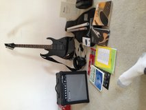 Guitar with amp and accessories in Alamogordo, New Mexico