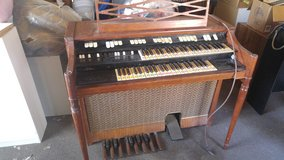 HAMMOND ORGAN in Alamogordo, New Mexico