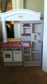 little tikes kitchen in Yucca Valley, California