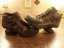 MEN'S  z-coil shoes…size 12 in Pasadena, Texas