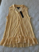 Never worn women's top size medium in Yucca Valley, California