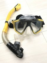 US Divers snorkel/scuba set with whistle in Okinawa, Japan