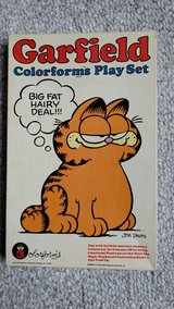 Garfield Colorforms Play Set w/ Booklet in Lockport, Illinois