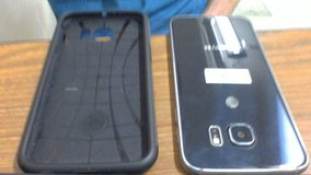 Gently used Galaxy S6- Spigen case and Glass cover included! in Camp Pendleton, California