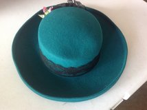 Women's Green Hat in Bartlett, Illinois