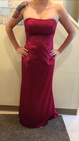 Ball Gown Size 12 in Okinawa, Japan