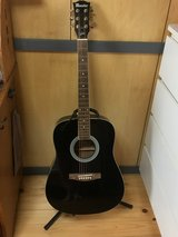 Maestro guitar from Gibson like new in Okinawa, Japan