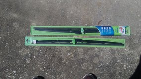 2  28 inch windshield wiper blades in Beaufort, South Carolina