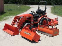 Kubota B2301 HSD 4WD Tractor w/Attachments in Fort Riley, Kansas