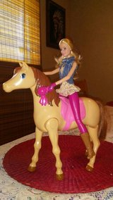 new saddle n ride horse with Barbie in Yucca Valley, California