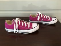 LIKE NEW Dark Pink Womens or Kids Converse All-Star Shoes (W Size 5, M Size 4) in Bolingbrook, Illinois
