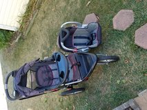 Baby trend expedition Jogger Stroller and car seat with  base in Naperville, Illinois