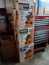 FOR SALE: RIDGID 6 Gal Wet/Dry Vacuum NEW in Bolingbrook, Illinois