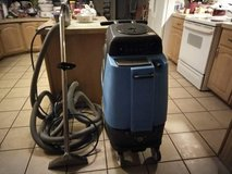 COMMERCIAL CARPET SHAMPOOER in Cleveland, Texas