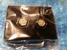 Avon forever deco button earrings in Cherry Point, North Carolina