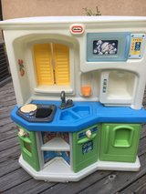 Little tikes kitchen with sounds plus accessories in Elgin, Illinois