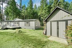 "GREAT ""AFFORDABLE"" UPDATED 3 BEDROOM HOME ON A FULL ACRE NEAR JBLM!!! in Fort Lewis, Washington"