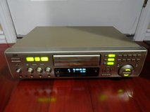 VINTAGE JVC XL-MV505GD VIDEO CD VCD PBC CD-G KARAOKE PLAYER VERSION 2.0 in Travis AFB, California