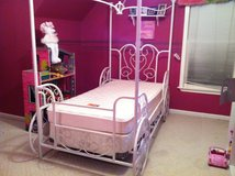 Princess bed frame only in Clarksville, Tennessee