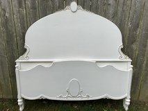 Shabby Chic Full Antique Bed in Naperville, Illinois