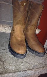 Size 9 men's Justin boots never worn paid one 120 for them new in Beaufort, South Carolina