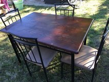 Kitchen table and 4 chairs in Fort Riley, Kansas