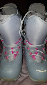 Womens Burton sapphire snowboard boots in Glendale Heights, Illinois