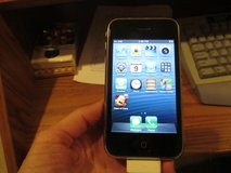 iPhone 3 GS (AT&T ) and iHome Dual Alarm Clock Radio in Naperville, Illinois