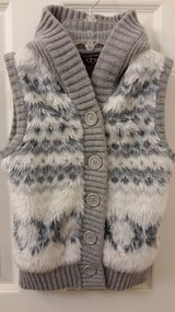 Girls soft furry easy button-down vest size 7/8 with hood in Naperville, Illinois