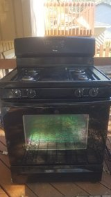 Fully Functional Amana Gas Stove with many upgraded features in Glendale Heights, Illinois