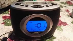 Dual alarm clock / radio for iPod /iPhone in Ramstein, Germany