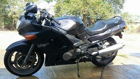 2002 ninja zx6 in Fort Polk, Louisiana