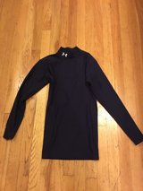 adult Under Armour cold gear shirt in Plainfield, Illinois