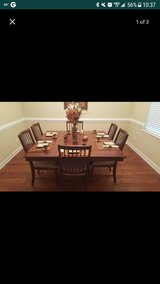 Dining table w/6 chairs in Fort Bragg, North Carolina