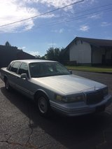 1995 LINCOLN TOWN CAR in Fort Rucker, Alabama