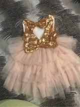 pink & gold girl bow dress in Schaumburg, Illinois
