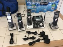 AT&T Telephone Base Station & 4 Handsets Great Condition in Camp Pendleton, California