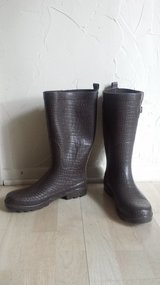 Like new!  Women's Shoes - Brown Rain Boots in Lockport, Illinois