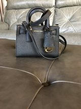 Michael Kors Extra Small Crossbody Strap Purse (Firm On Price) in Glendale Heights, Illinois