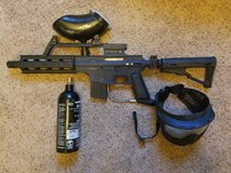 Tippmann US Army Project Salvo Paintball Gun with 20oz Tank+mask in Fort Riley, Kansas