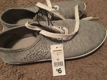 NWT Women's Sneakers [7] in Beaufort, South Carolina