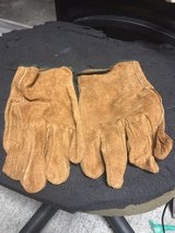 leather gloves tan in Beaufort, South Carolina