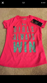Girls under armour top xs in Lockport, Illinois