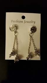 NEW PIERCED CHRISTMAS EARRINGS in Schaumburg, Illinois