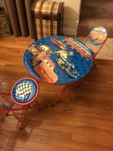 Car table and 2 chairs in Aurora, Illinois