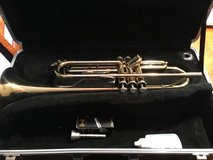 Trumpet w/case and extras in Orland Park, Illinois