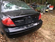 2004 FORD TAURUS PARTS ONLY in Fort Leonard Wood, Missouri