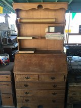 Vintage Hutch/ very nice condition in 29 Palms, California