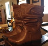 10M New Women's Boots in Joliet, Illinois