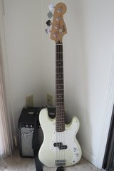 Bass Guitar, Electric in Cherry Point, North Carolina